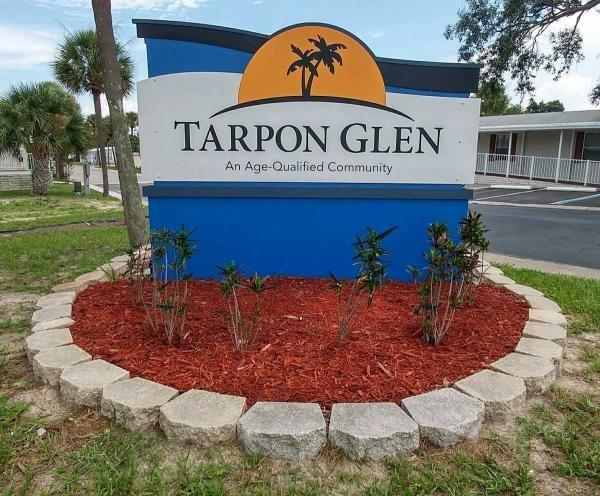 Tarpon Glen Mobile Home Dealer in Tarpon Springs, FL