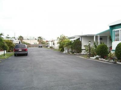 Mobile Home Dealer in Lake Worth FL