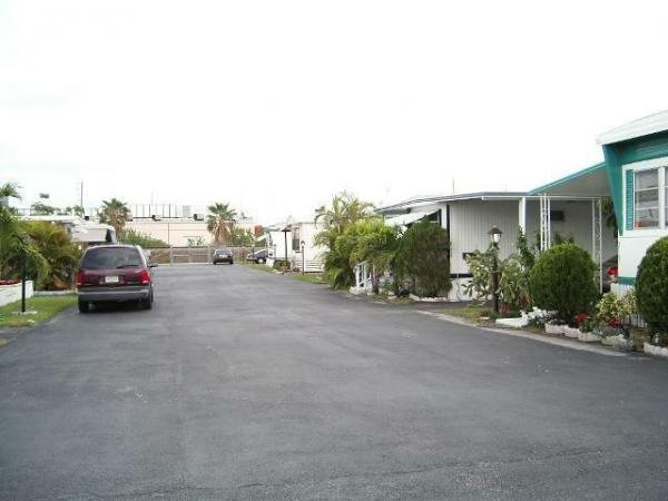 Green Acres MHC Mobile Home Dealer in Lake Worth, FL