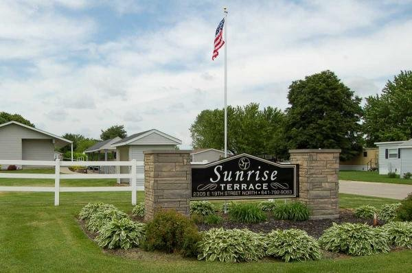 Sunrise Terrace Mobile Home Dealer in Newton, IA