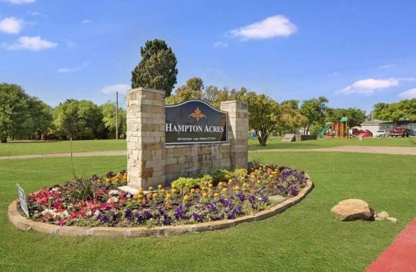 Hampton Acres Mobile Home Dealer in Desoto, TX