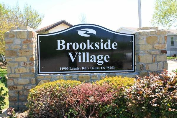 Brookside Village Mobile Home Dealer in Dallas, TX