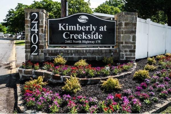 Creekside Estates Mobile Home Dealer in Seagoville, TX