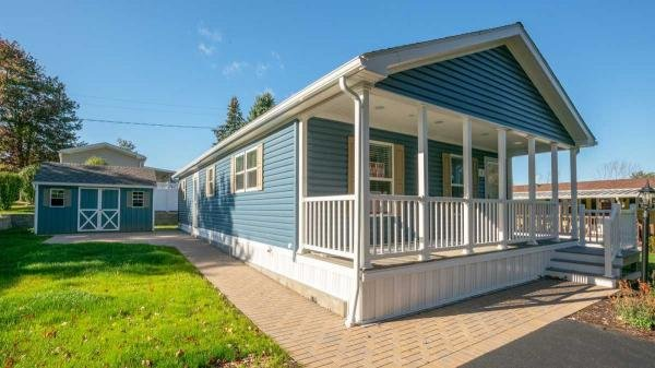Lakeside Mobile Home Dealer in Terryville, CT