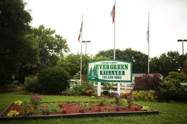 Evergreen Village Mobile Home Dealer in Sioux City, IA
