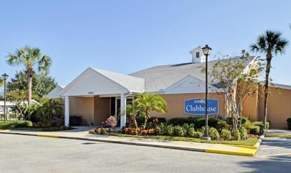 Sunlake Estates Mobile Home Dealer in Grand Island, FL