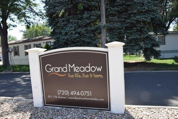 Grand Meadow Mobile Home Dealer in Longmont, CO
