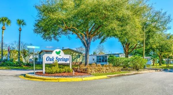 Oak Springs Mobile Home Dealer in Sorrento, FL