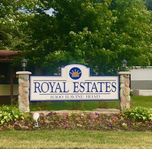 Royal Estates Mobile Home Dealer in Kalamazoo, MI