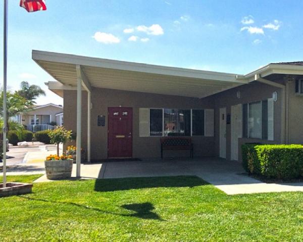 Royal Holiday Mobile Home Dealer in Hemet, CA